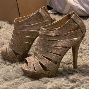 Gold glittery heels!